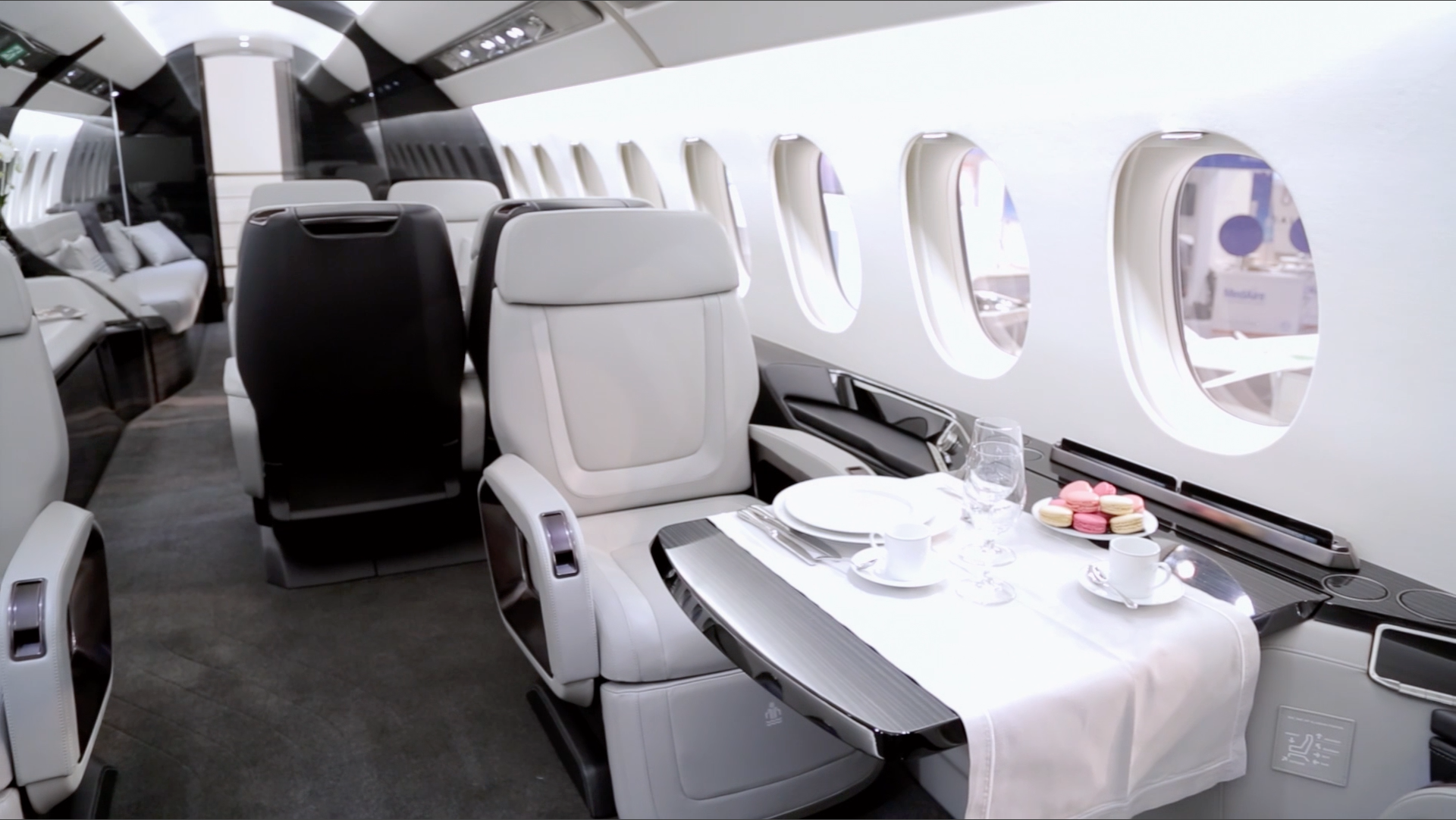 inside the dassault falcon 5x cabin