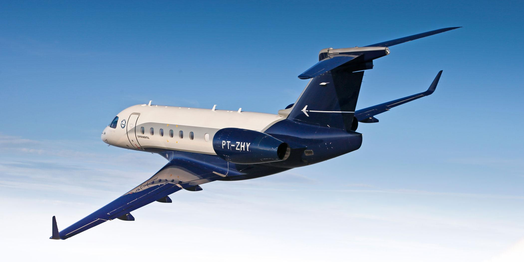 Embraer's Legacy 500 in flight