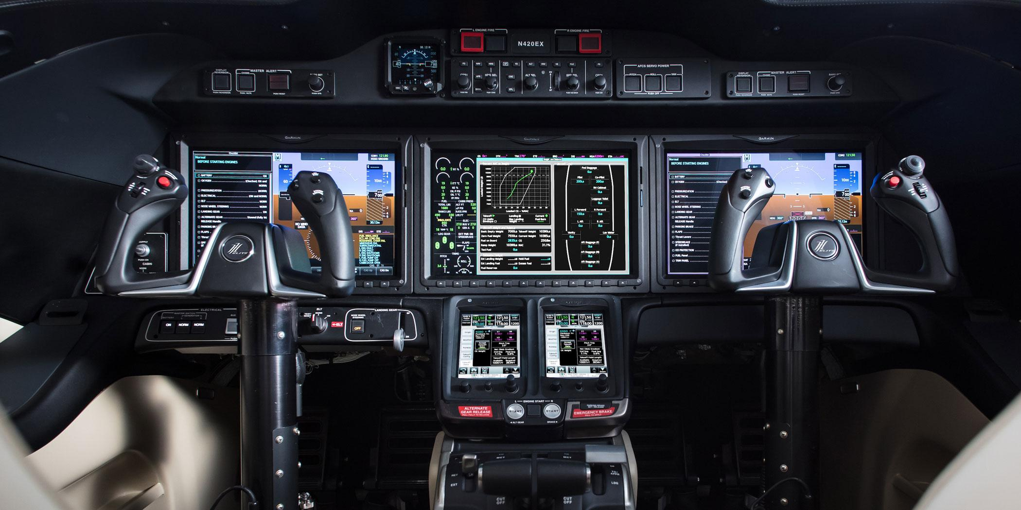 HondaJet Elite cockpit