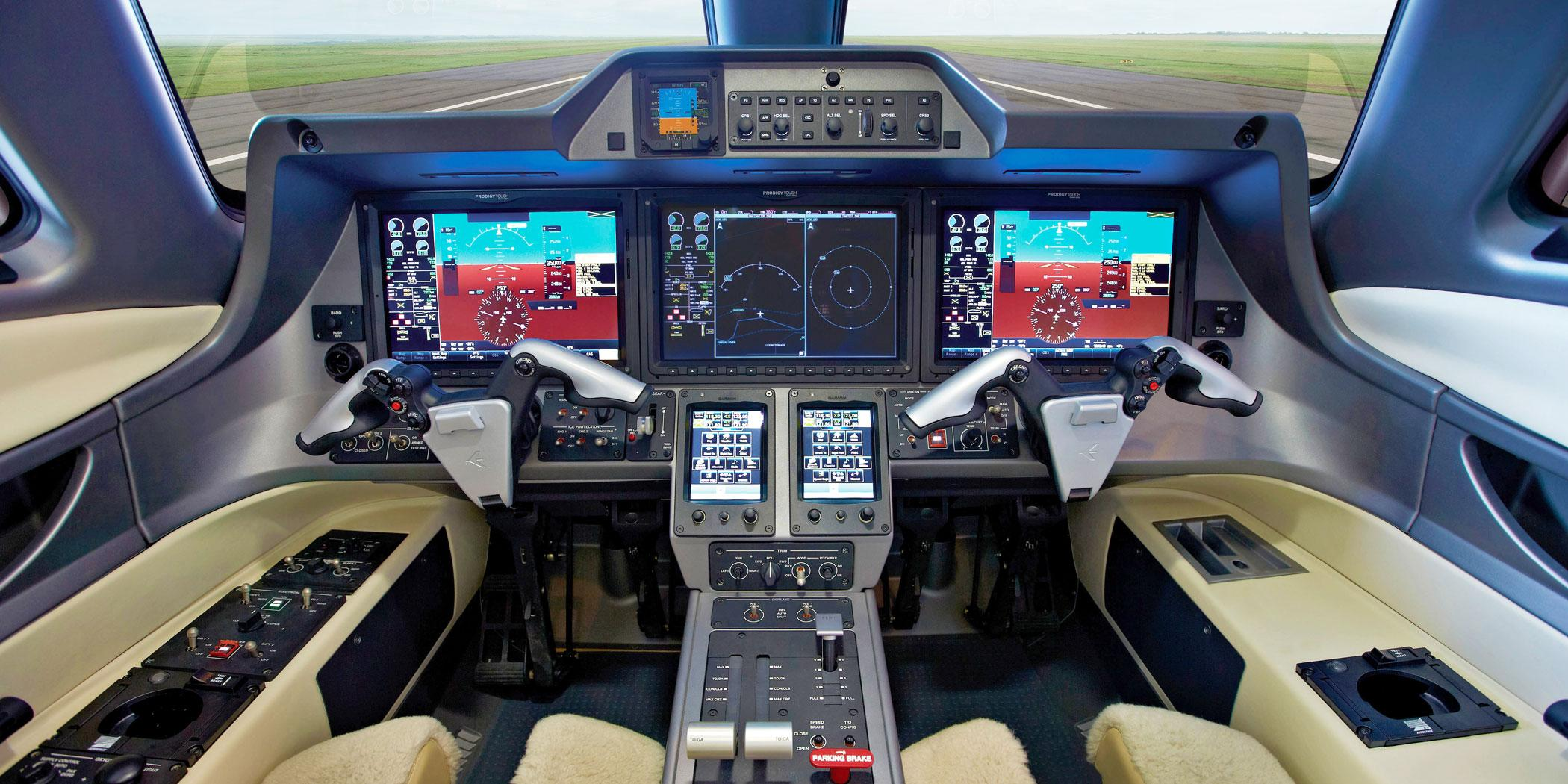 Phenom 100 flight deck