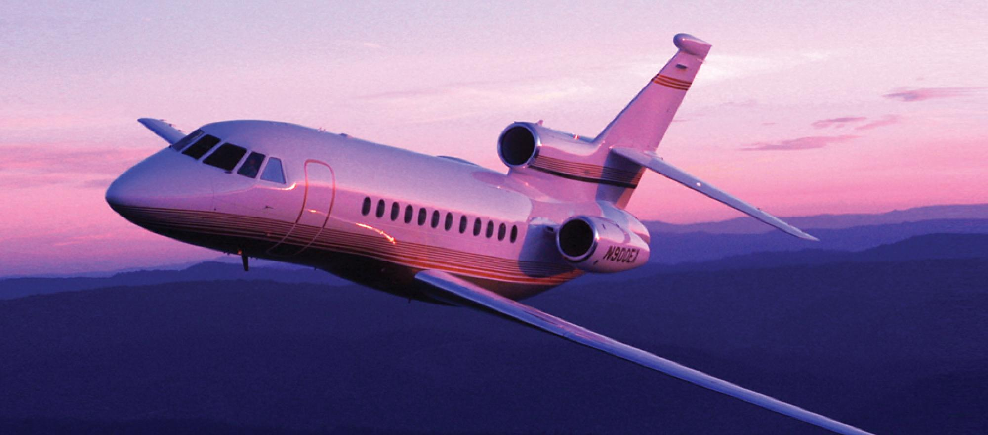 Cool jet airlines dassault falcon 900 dx interior - From Its Three Engine Layout To Its Advanced Computer Design To Its Construction Using Lightweight Alloys And Composites The 900 Series Is Truly Peerless