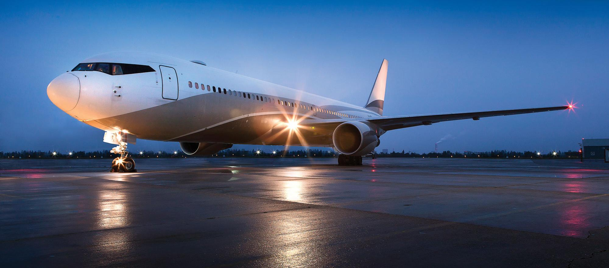 Boeing 767 on the tarmac.