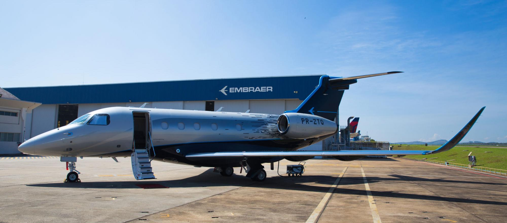 Embraer Praetor outside facility