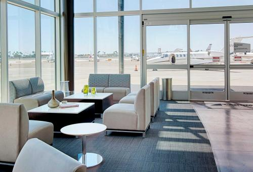 Signature Flight Support Landmark San Diego International Airport