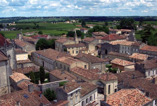 The fascinating little town of St. Emilion. (Photo: Bob Ecker)