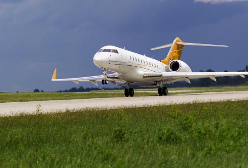 Global 5000 take off
