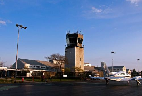 FBO Profile: Martha's Vineyard Airport