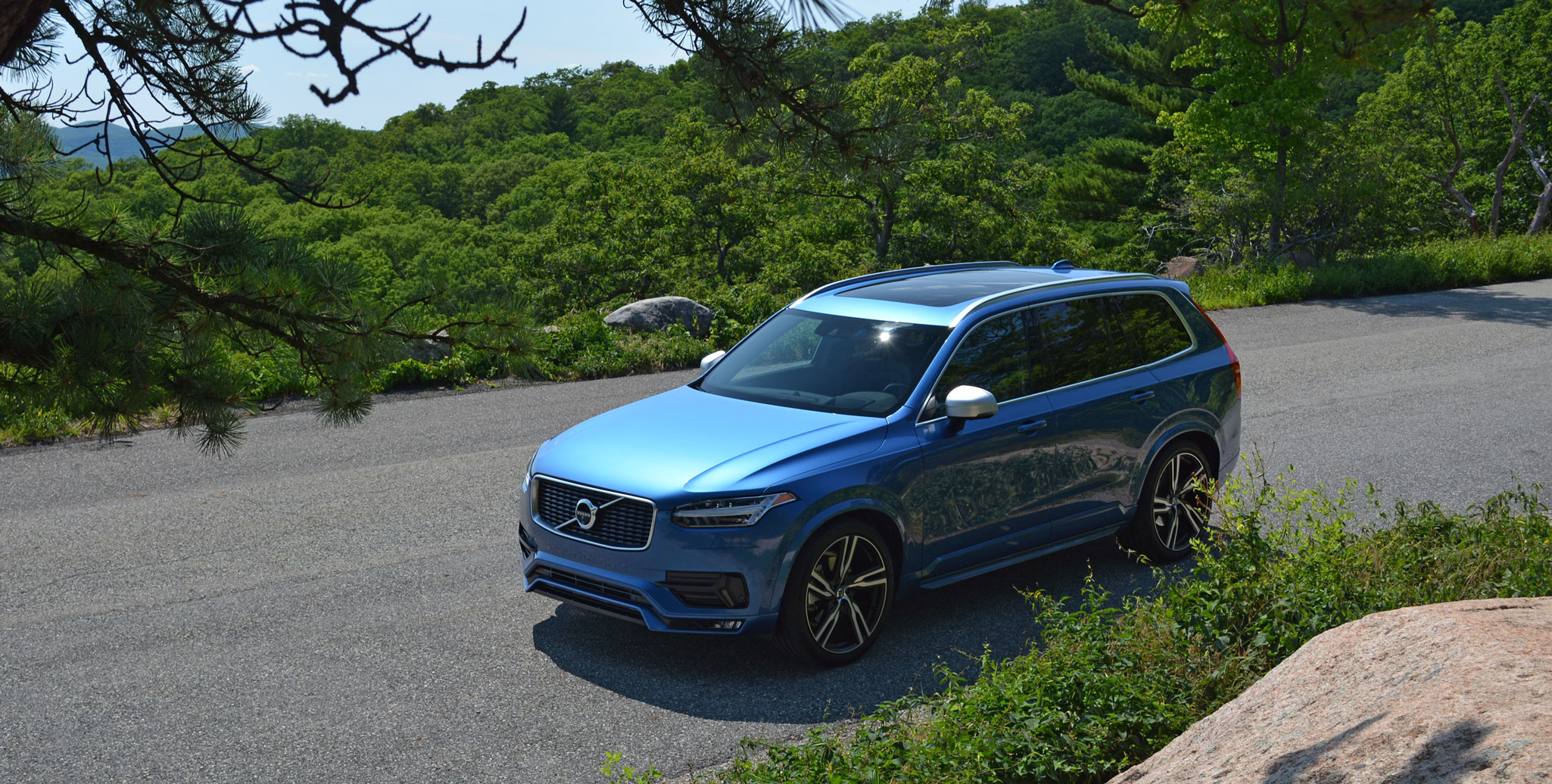 Volvo announces updates for XC90 and S90